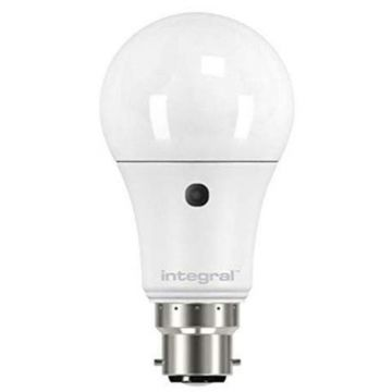 Integral LED GLS Auto Sensor Bulb, Non-Dimmable, 6.6W, B22, Daylight, Frosted